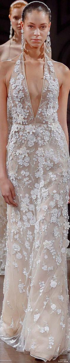#Farbbberatung #Stilberatung #Farbenreich mit www.farben-reich.com Naeem Khan Bridal Spring 2017