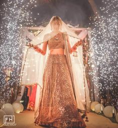 Golden Lehenga, Red Lehenga, Bridal Lehenga, Lehenga Color Combinations, Bride Entry, Bridal Wardrobe, New Blouse Designs, Wedding Function, Bride Look