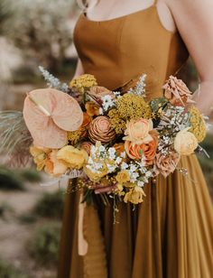 Modern + Elegant VS Wild + Free Elopement in Joshua Tree—Choose Your Fave! - Green Wedding Shoes Vibrant wedding bouquet featuring warm sun-drenched shades of mustard yellow, clay and orange. Mustard Yellow Wedding, Orange Wedding Colors, Green Wedding Shoes, Orange Weddings, Wedding Yellow, Autumn Wedding, Spring Wedding, Dream Wedding, Wedding Day