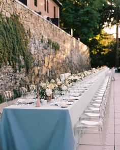 For this destination wedding in Portugal, guests feasted alfresco, at two long tables lined with acrylic chairs and custom couches covered in fabric by a Portuguese artist. Martha Stewart Weddings, Destination Wedding Invitations, Wedding Planner, Destination Weddings, Real Weddings, Portugal Wedding Venues, Portuguese Wedding, Custom Couches, Porto