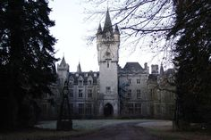 Château de Noisy – Miranda Castle Decaying and Abandoned in Belgium – Abandoned Playgrounds