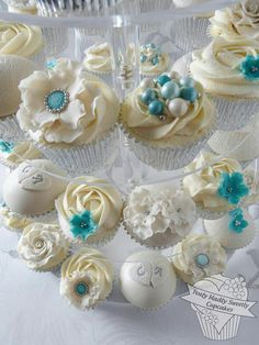 Cupcakes  Follow me @ThePinnerGirl for sharing passion for cupcakes and more!