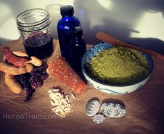 mixing my henna paste for the week, all natural all the time! Henna paste: fresh henna powder, tamarind/hibiscus tea. sugar/jaggery, essential oils, and mindfullness