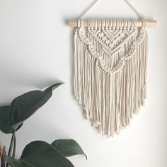 macrame/macrame anleitung+macrame diy/macrame wall hanging/macrame plant hanger/macrame knots+macrame schlüsselanhänger+macrame blumenampel+TWOME I Macrame & Natural Dyer Maker & Educator/MangoAndMore macrame studio Macrame Design, Macrame Art, Macrame Projects, Macrame Knots, Macrame Mirror, Macrame Curtain, Micro Macrame, Macrame Wall Hanging Patterns, Large Macrame Wall Hanging