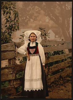 Here for your browsing pleasure is an imposing photo of A Hardanger girl, Hardanger Fjord. This color photochrome print was made between 1890 and 1900 in Fjord, Norway. Colorized Historical Photos, Norway Girls, Hardanger Embroidery, Learn Embroidery, Embroidery Patterns, Photographs Of People, Ethnic Dress, Folk Costume, Costumes