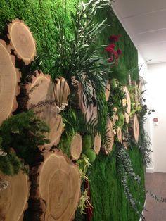 Mur en végétal stabilisé 325*245cm. Réalisation INOFFICE. deco@inoffice.fr Firewood, Texture, Deco, Crafts, Wall, Surface Finish, Woodburning, Manualidades, Decor