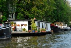 Holland Amsterdam Canal Houseboat-52