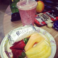 """Breakfast burittos and fresh smoothies @klout! #startuplife"" --@shinranshoni"