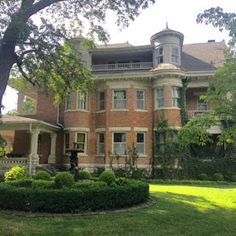 Sweet House Dreams: 1920 Victorian in Pittsburg, Kansas