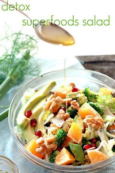 justwanttobehealthyandfit:    Detox super foods salad, loooks good to me!    I could get into this