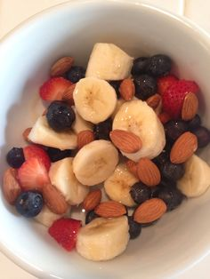 Healthy food list for kids diet free recipes Healthy Food List, Healthy Snacks, Healthy Recipes, Tumblr Food, Food Goals, Aesthetic Food, Food Cravings, Fruit Recipes, I Love Food