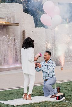 """Creative Proposal Ideas That Will Inspire To Say """"Yes"""" ❤ creative proposal ideas man propose woman balloons ❤ More on the blog: https://ohsoperfectproposal.com/creative-proposal-ideas/"""