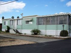 I would TOTALLY live in this vintage mobile home!