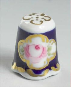 Lindner Porcelain Thimble Handpainted by Wilma