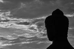 Petite escapade à Borobudur, ce somptueux temple bouddhiste non loin de Yogyakarta. Pour ceux qui suivent, c'est le pendant bouddhiste à l'hindou Prambanan, où nous sommes allés il y a peu de temps. Lever du soleil magique, bien qu'assez populaire, surtout...