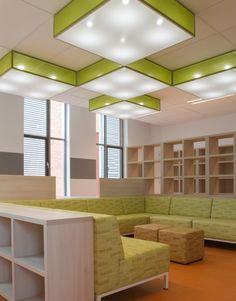 Maatwerk bibliotheek in gebouw Plein Oost te Haarlem door Thereca Interieurbouw www.thereca.nl