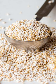 Learn how to make popped amaranth! The gluten-free high-protein seed can be popped like popcorn. It takes only 10 minutes to make one cup. Amaranth Recipes, Millet Recipes, Buckwheat Recipes, Vegan Snacks, Healthy Snacks, Vegan Recepies, Healthy Grains, Healthy Recipes, Yummy Snacks