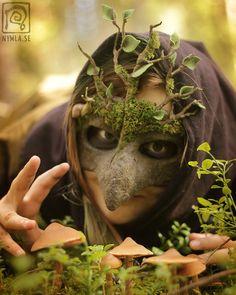 Mossy Mask n Mushrooms by Nymla on DeviantArt Halloween Masks, Halloween Makeup, Dryad Costume, Goat Mask, Arte Steampunk, Ceramic Mask, Grandeur Nature, Leather Mask, Animal Masks