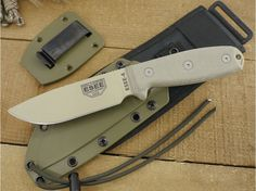 ESEE Knives: ESEE-4P-MB-DT (MOLLE Back) Desert Tan Plain Edge Blade w/ Green Canvas Micarta Handle, Black Plastic Sheath, Clip Plate - TheKnifeConnection