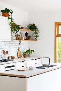 kitchen interior remodeling Cantilever — The Design Files Simple Kitchen Design, Interior Design Kitchen, Kitchen Designs, Kitchen Trends, New Kitchen, Kitchen Decor, Cozy Kitchen, Scandinavian Kitchen, Kitchen Shelves
