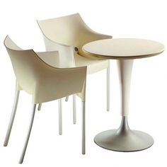 The Kartell Dr. NA Table was designed by Philippe Starck. A classic example of his streamline, contemporary designs. Contemporary Dining Chairs, Contemporary Furniture, Contemporary Design, Philippe Starck, Cafe Tables, Table And Chairs, Kartell, Meeting Table, Office Interiors
