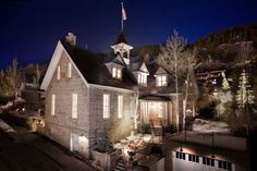 Washington School House is one of Fodor's picks for Local Experience hotel and best for romance & pool. Check out all the Hotel Award winners. Salt Lake City, Utah Boutiques, Lake Hotel, Choice Hotels, Old School House, Park City Utah, Unique Hotels, Historic Homes, Trip Advisor