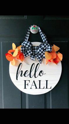 Fall Wood Signs, Christmas Signs Wood, Diy Wood Signs, Christmas Diy, Fall Decor Signs, Fall Crafts, Holiday Crafts, Diy Crafts, Wooden Door Signs