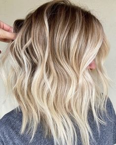 Blonde Ombre Hair, Platinum Blonde Balayage, Platinum Blonde Hair Color, Ombre Hair Color, Bright Blonde Hair, Silver Blonde Ombre, Blonde Hair Ideas For Short Hair, Blonde Hair From Brown, Blond Hair Colors