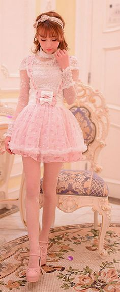 Fantastic pink dress !!! I love all the outfit !!!