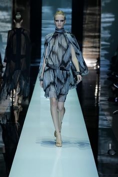 Gucci spring-summer 2012! love the dress!