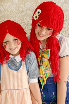 Make the perfect rag doll Halloween costume with these step by step directions to make the wig and costume. Perfect for any girl or adult this Halloween. Costume Halloween, Rag Doll Halloween Costume, Diy Halloween Costumes For Girls, Diy Costumes, Halloween Kids, Costume Ideas, Family Costumes, Halloween Crafts, Cowboy Costumes