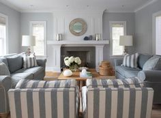Grey and white a lovely decor for this lounge room #livingroom #loungeroom #grey #white