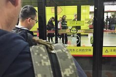 Commuting #enlight #vsco #snapseed #photography #streettogs #streetphotographers #film #latergram #streetphotography #ig_streetpeople #night #waiting #guangzhou #china #subway #metro