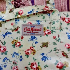 Original Cath Kidston London Large Bag Floral Style tote Pattern used once only Cath Kidston London, Tote Pattern, Floral Style, Handbags, Tags, The Originals, Ebay, Totes, Purse