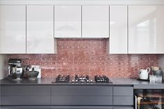 Australian Aboriginal Art as Surfaces for the Architectural & Design industry https://www.baygalleryhome.com/blog/australian-aboriginal-art-as-surfaces-for-the-architectural-design-industry