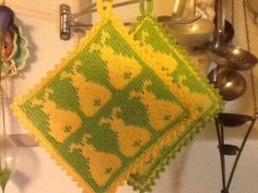 Ravelry: Påskehare Grytekluter pattern by Line Eriksen All Languages, Pot Holders, Ravelry, Sewing Projects, Knitting, Crochet, Easy, Crafts, Craft Ideas