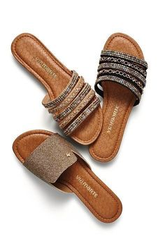 46 Sexy Sandals That Will Make You Look Fabulous - Shoes Styles & Design Pretty Shoes, Beautiful Shoes, Cute Shoes, Me Too Shoes, Women's Shoes, Shoe Boots, Shoes Sneakers, Sexy Sandals, Sandals Outfit