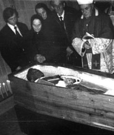 The coffin with the body of Fr. Aria, I Really Love You, Saints, Love Of My Life, Catholic, Best Friends, I Am Awesome, Father, Coffin