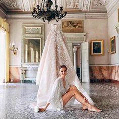 Pin for Later: 15 Raisons Pour Lesquelles Votre Robe de Mariée Devrait Être une Elie Saab Un Peu de Blush