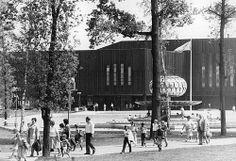 DDR Pionierpalast in der Ost-Berliner Wuhlheide