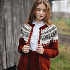 This knitted suit features printed color and buttons, and you may wear this color block suit for casual life, vacation, date and other occasion. Cute Sweaters For Fall, Sweaters For Women, Cardigan Design, Fair Isle Knitting Patterns, Icelandic Sweaters, Casual Suit, Poncho, Types Of Sleeves, Pretty Outfits