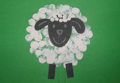 Ovečka - jarné aktivity s deťmi Summer Crafts, Diy And Crafts, Crafts For Kids, Art Classroom, Classroom Themes, Farm Day, Sheep Crafts, Farm Theme, Preschool Learning