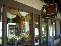 Jammin' Bread is the BEST sandwich shop in Riverside. The food and staff are superb.