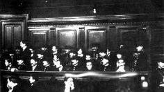 Le procès des rescapés de la bande à Bonnot, en février 1913, aux assises du Palais de justice de Paris
