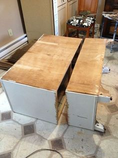 Two Pieces of Furniture Made From One Dresser MacGIRLver: Dresser Makeover; Two Pieces of Furniture Made From One Dresser Patio Furniture Makeover, Old Furniture, Refurbished Furniture, Repurposed Furniture, Furniture Projects, Furniture Making, Painted Furniture, Diy Projects, Automotive Furniture