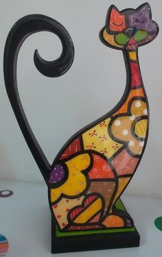 Risultati immagini per gatos en puntillismo Transfer Images To Wood, Arte Country, Wood Cat, Faux Stained Glass, Mosaic Projects, Cat Crafts, Arte Pop, Glass Birds, Tole Painting
