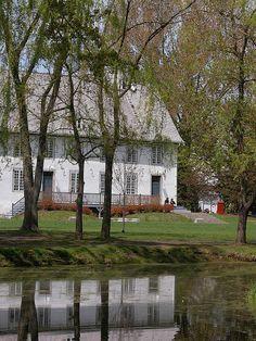 Domaine de Maizerets  -  En 1705, le Séminaire de Québec s'en porte acquéreur (vocation agricole).
