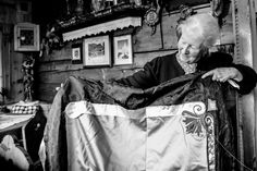 Bestickend schön: Mariloise Jordan´s Fahnenstickerei Jordan Flag, Jordans, Embroidery, Beautiful, Bavaria Germany, Nice Asses, Ideas, Needlepoint, Cut Work