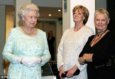 Three Queens - maggie-smith Photo