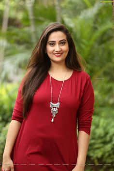 Anchor Manjusha Hot Pics Latest Manjusha Rampalli is an Indian Model, Anchor and Film actress who is working in Telugu Television and Film industry. Beautiful Arab Women, Beautiful Girl Image, Beautiful Indian Actress, Beautiful Actresses, Indian Tv Actress, Indian Actresses, Parineeti Chopra, Hottest Pic, Indian Models